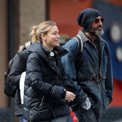 piper perabo and stephen kay spotted enjoying a stroll in