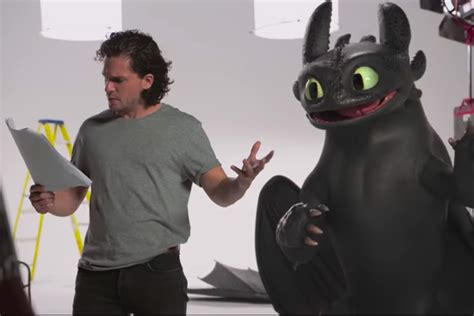 Watch Game of Thrones' Kit Harington Meet Toothless from