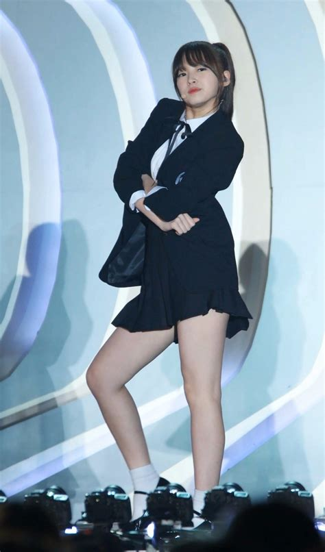 9 Female Idols With Perfect Proportions Despite Being