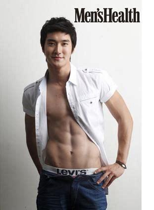 15+ Picts of Super Junior Member Choi Si-won's Abs | Channel-K